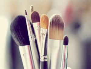Como cuidar tus pinceles de maquillaje
