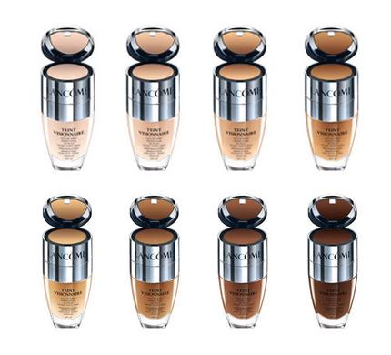 Uno de los productos claves para un buen maquillaje es la base, pero, ¿cómo encontrar la indicada? Aquí dejamos una guía completa, realizada por nuestras