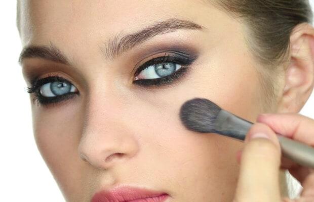 Paso a paso para recrear el maquillaje de Oriana Sabatini