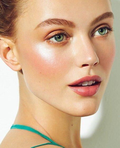 Tips para usar poco maquillaje