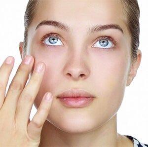 Hidratarse y cuidar la piel antes de viajar