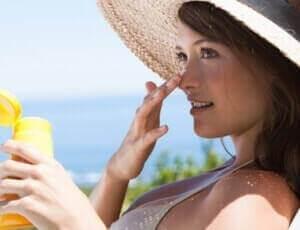 Cuando usar protector solar con el maquillaje