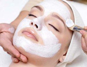 Peelings faciales químicos