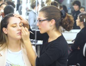 Alumna curso maquillaje profesional