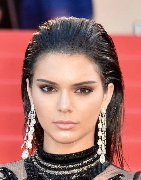 Tendencia en cortes de pelo y peinados otoño invierno 2020 - Wet look