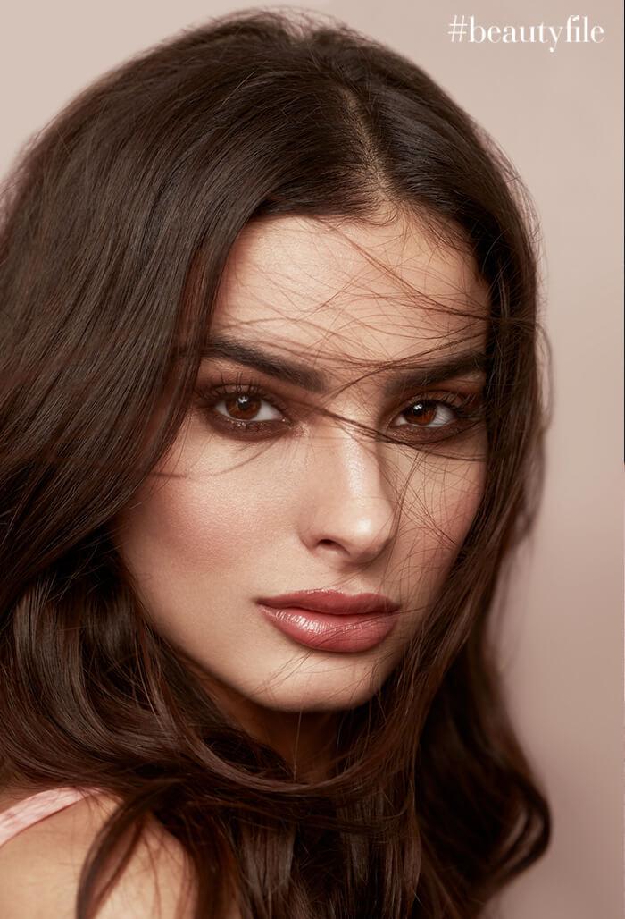 Camila Romero - Look natural trendy