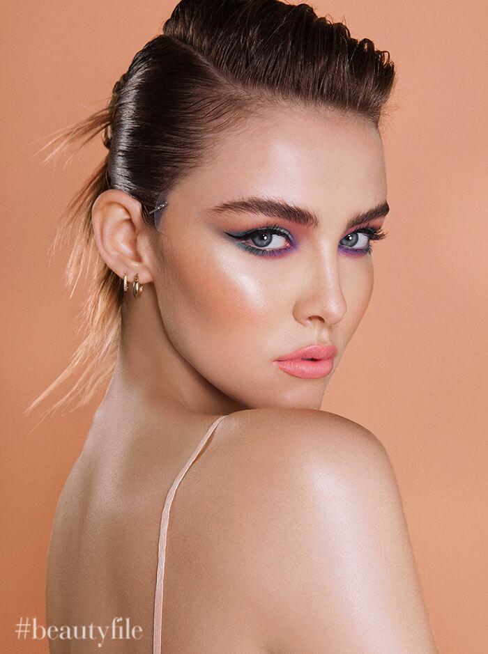 tendencia de maquillaje looks ultra coloridos