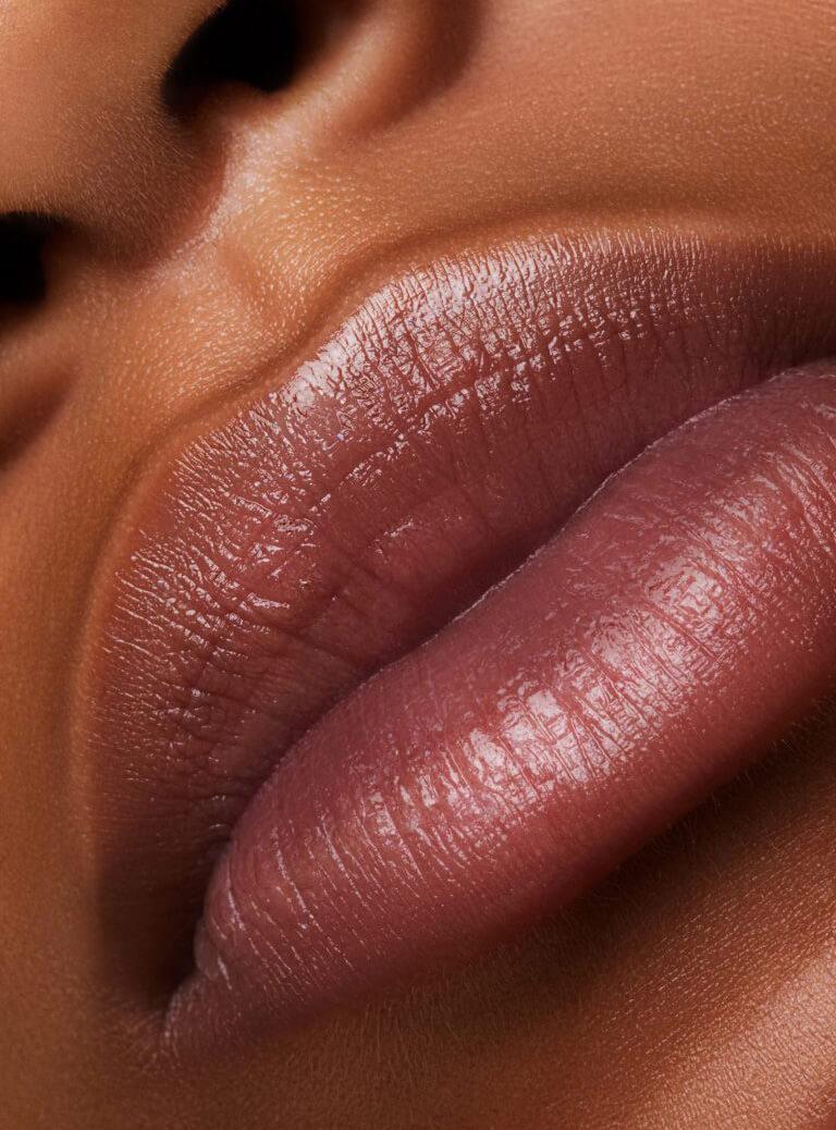 Balsamos labiales con color